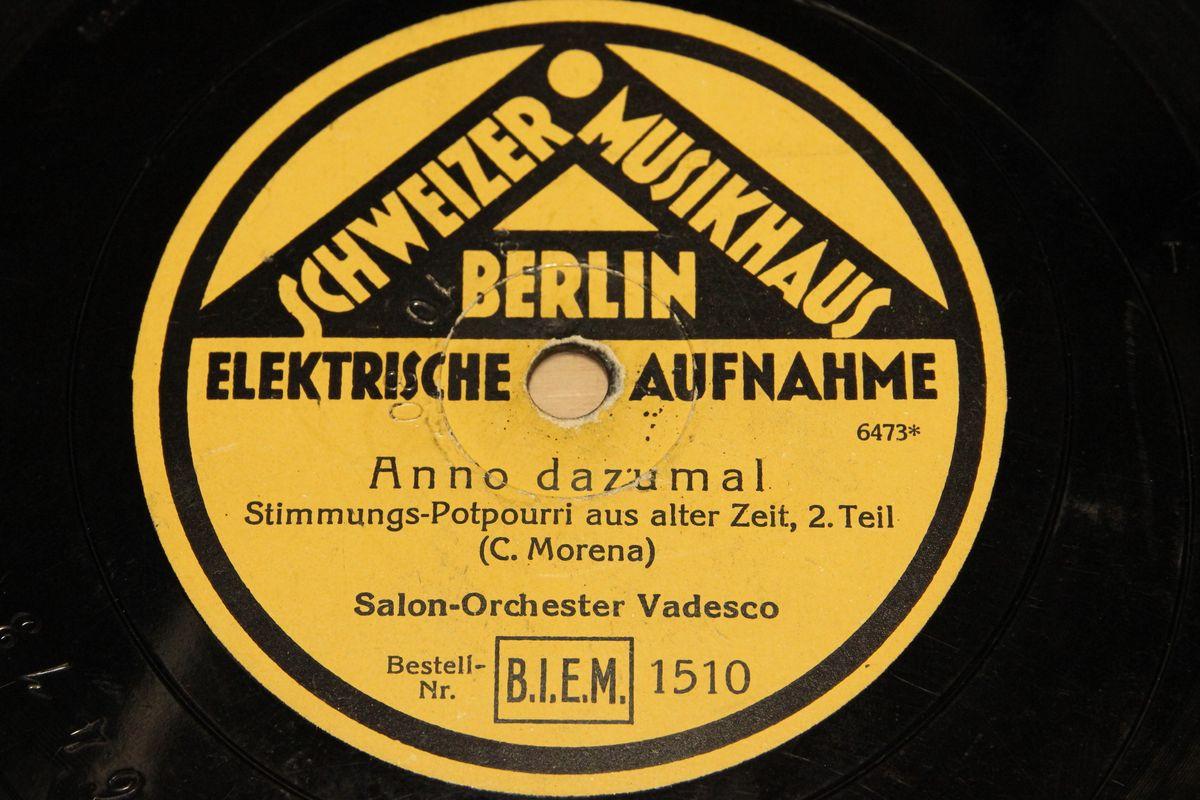 Salon orchester vadesco anno dazumal schweizer musikhaus for Musik hause