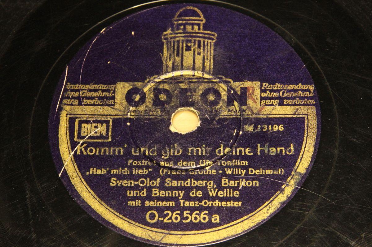 Benny De Weille Mit Seinem Orchester - Liebling, Was Wird Nun Aus Uns Beiden? / Ich Mache Alles Mit Musik!